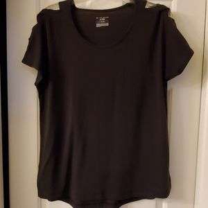 Womens L tee shirt with braided sleeves. Black.